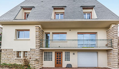 nettoyage facade maison beautiful rnovation de faade de maison prs de nmes with nettoyage. Black Bedroom Furniture Sets. Home Design Ideas